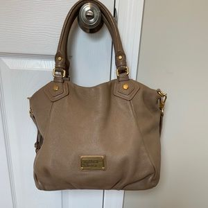 Marc Jacobs Like New Medium Crossbody Bag
